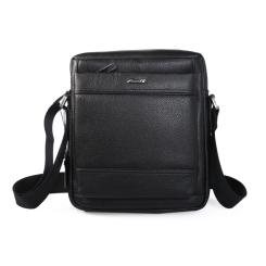 Практичная маленькая мужская кожаная сумка через плечо черного цвета от Barkli, арт. 298 03 black Br
