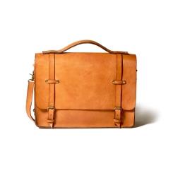 Кожаная мужская сумка через плечо светло коричневого цвета c ручкой и большим задним карманом от Long River, арт. BC-030