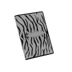 Кожаная обложка для паспорта серого цвета с тигровым рисунком от Quarro, арт. AT-117