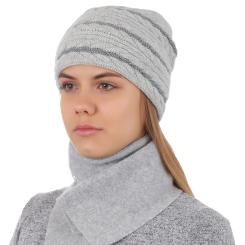 Женский комплект из шапки и шарфа, выполнен натуральной шерсти серого цвета от Fabretti, арт. 2013-10-22